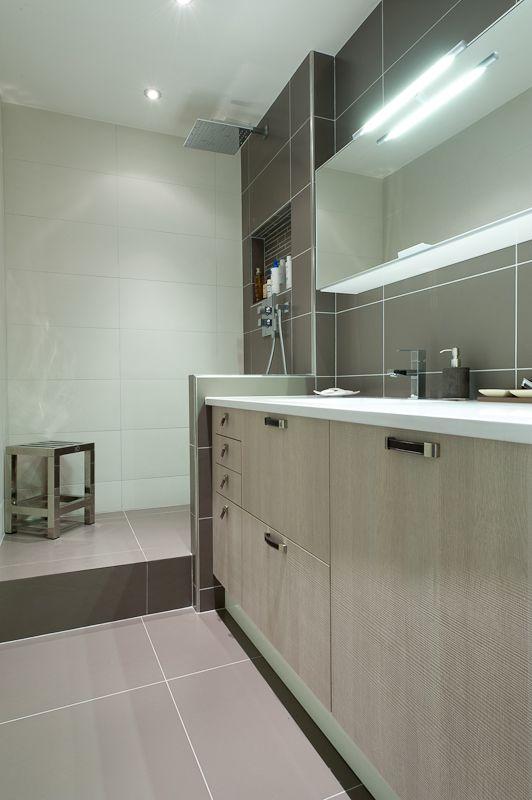 salle de bain couloir recherche google salle de bain. Black Bedroom Furniture Sets. Home Design Ideas