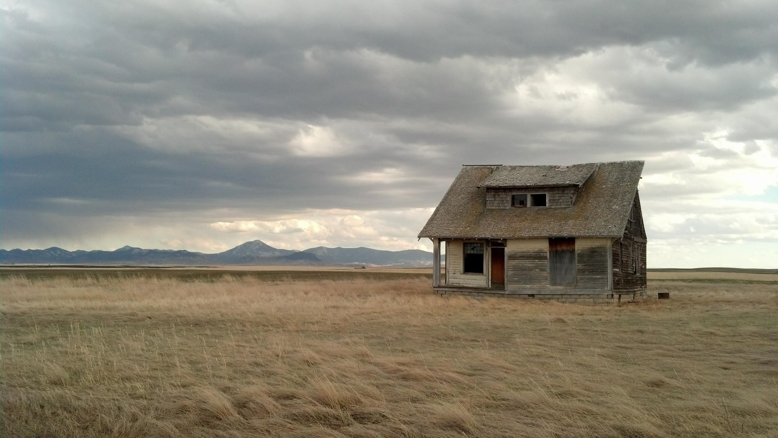 Abandoned House in the Middle of Montana Abandoned