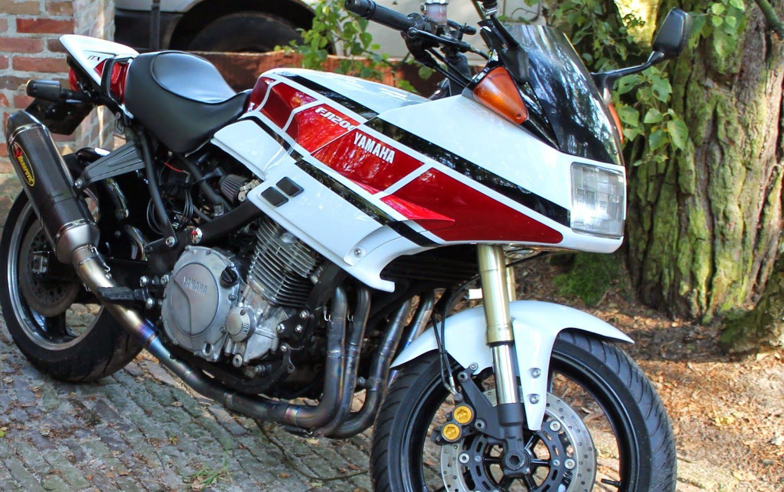 Cafe Racer Engines Fuel Passions Yamaha Cafe Racer Cafe Racer Street Fighter Motorcycle