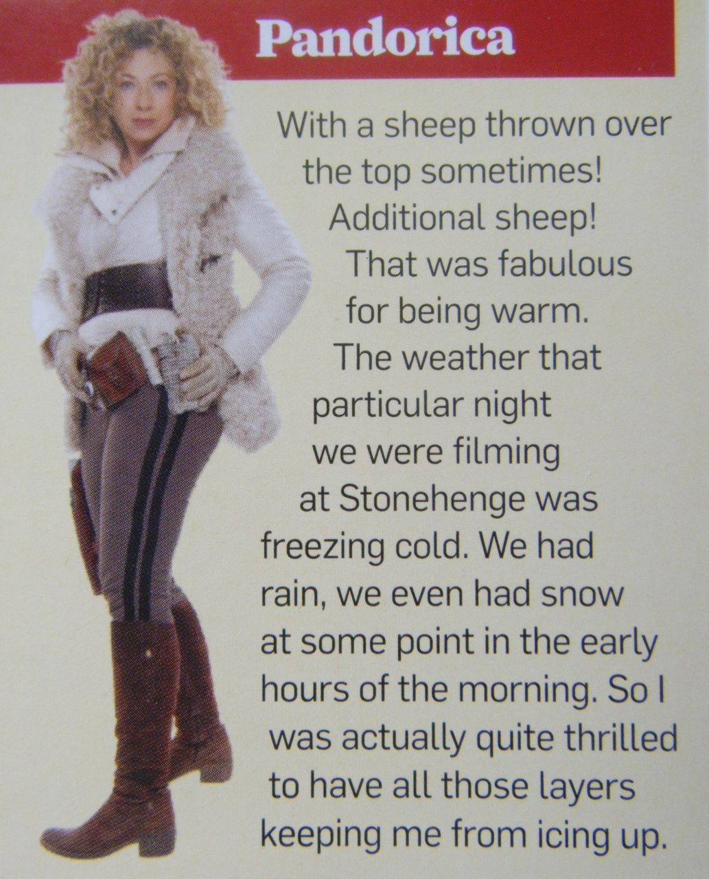 good shot of the stripes on her pants-- river song pandorica ...