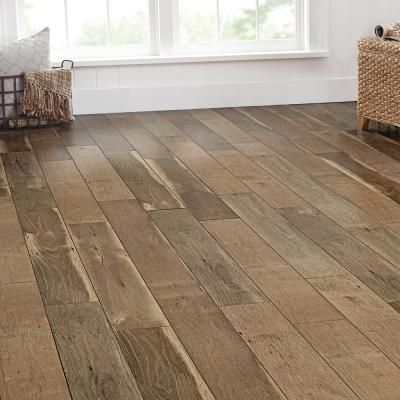 Home Decorators Collection Ann Arbor Oak 8 Mm Thick X 6 14 In Wide X 47 64 In Oak Laminate Flooring Flooring Wood Laminate Flooring