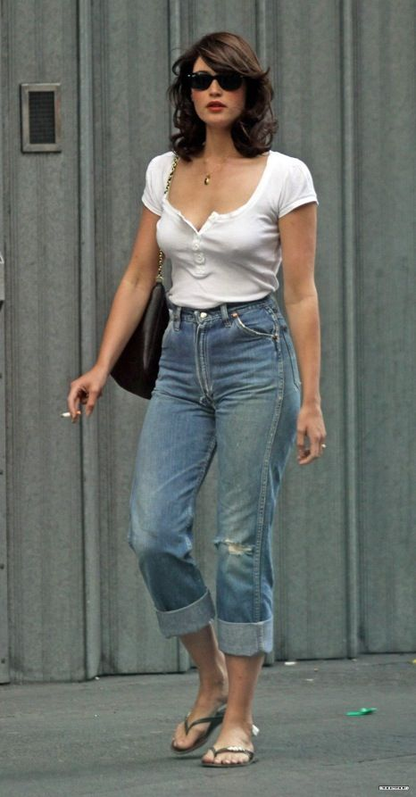 Gemma Atherton, womanly sexiness in high waisted jeans... http://www.denimology.com/2010/09/gemma_arterton_in_wrangler_jeans.php