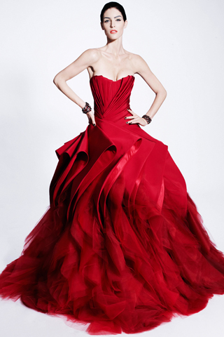 Zac Posen with the romantic red.I really like the flow and the dramatic texture at the bottom it looks great!!