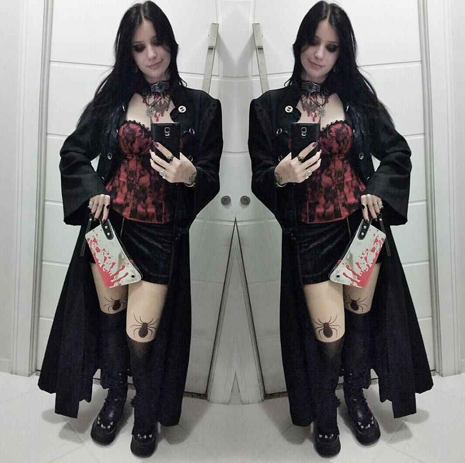3184fb00fd36 10 Essential Items to Start Adopting Gothic Fashion Look  Fashion  https   seasonoutfit