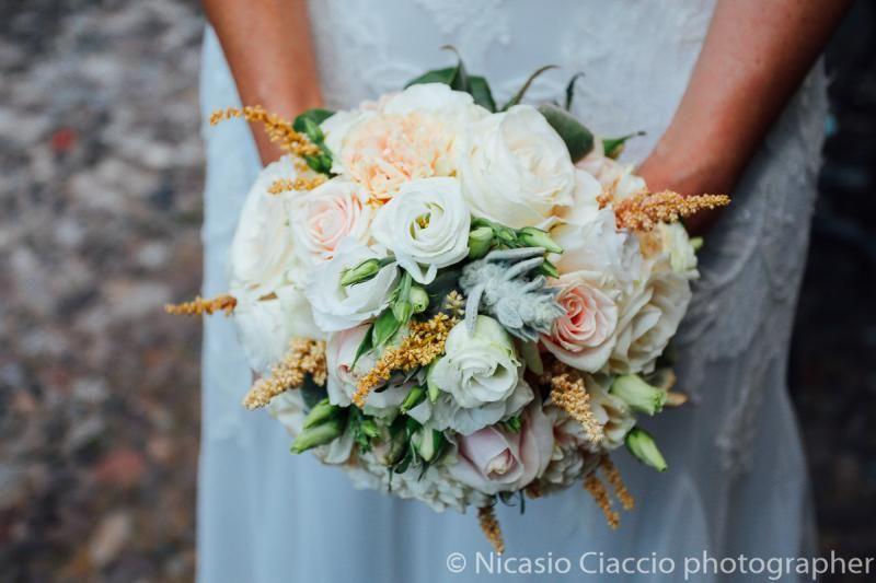 Bouquet Sposa Rose Rosa.Bouquet Rose Rosa Bianche Piante Grasse Bouquet Sposa Flower