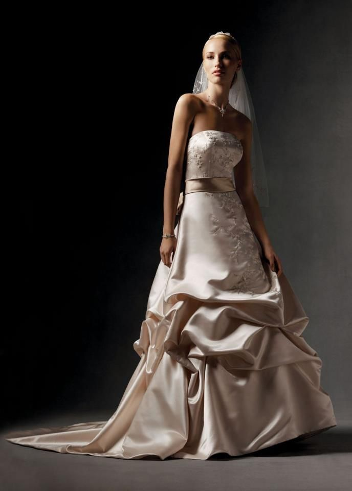 oleg cassini, this IS my dress, I can\'t wait to wear it <3 It is ...