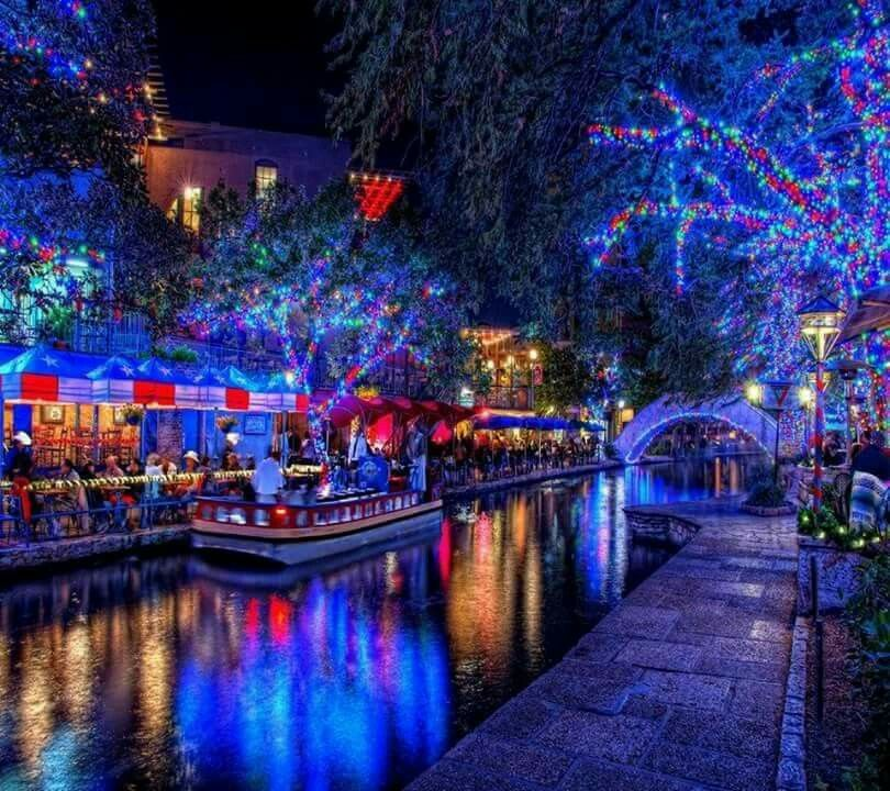 San Antonio Riverwalk at Christmas - San Antonio Riverwalk At Christmas Nature And Places Pinterest