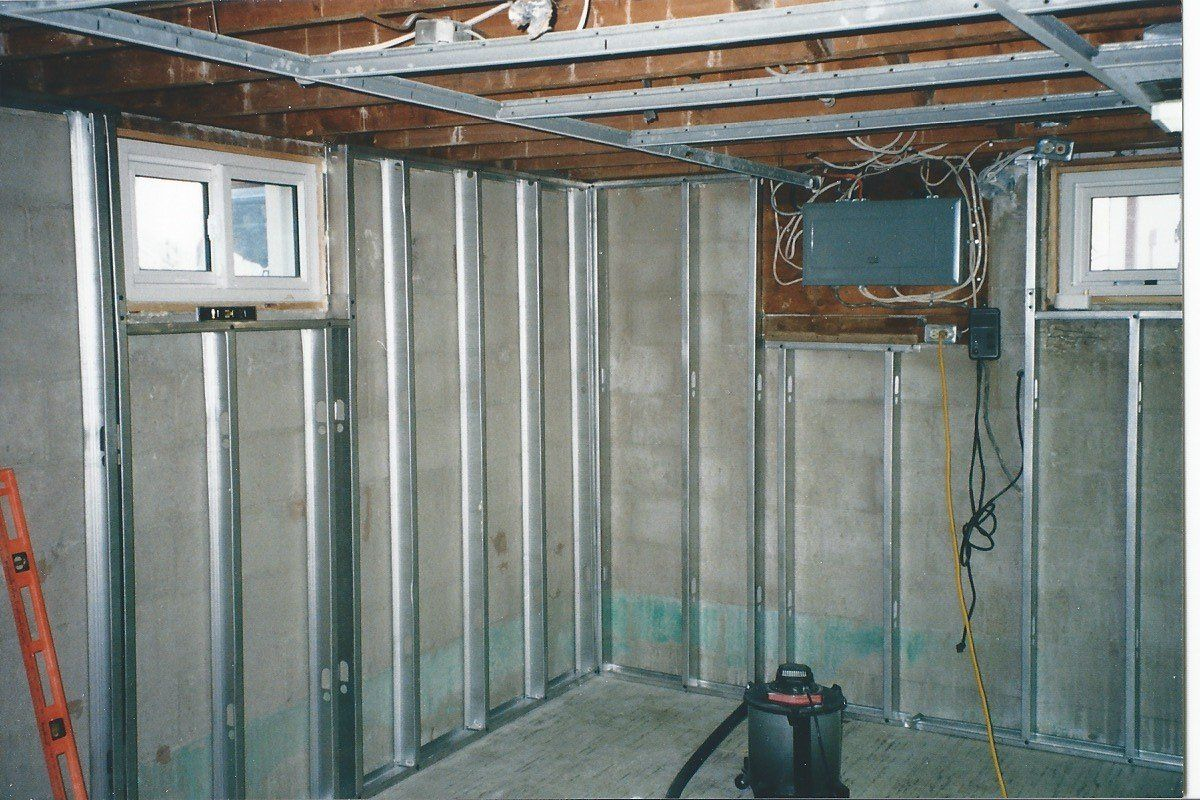 Framing with metal studs Metal stud framing, Basement