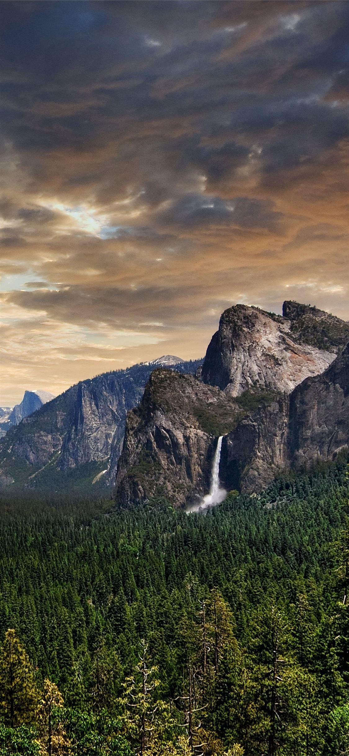 Yosemite Valley Yosemitevalley 100mostbeautifulplacestovisit California Unitedstates Iphone11wallpaper In 2020 Yosemite Valley Yosemite Nature Pictures