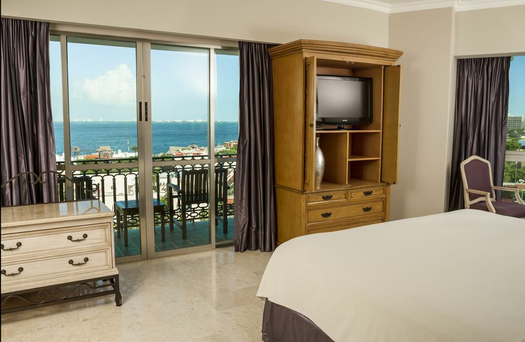 Bedroom At The Laguna Suite At Sandos Cancun Cancun Resorts