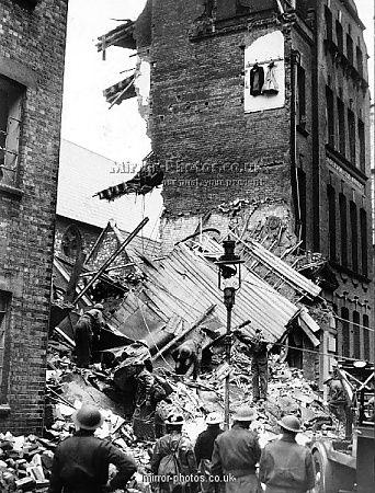 Aftermath Of Air Raid In London 1940 London Blitz Street Photo