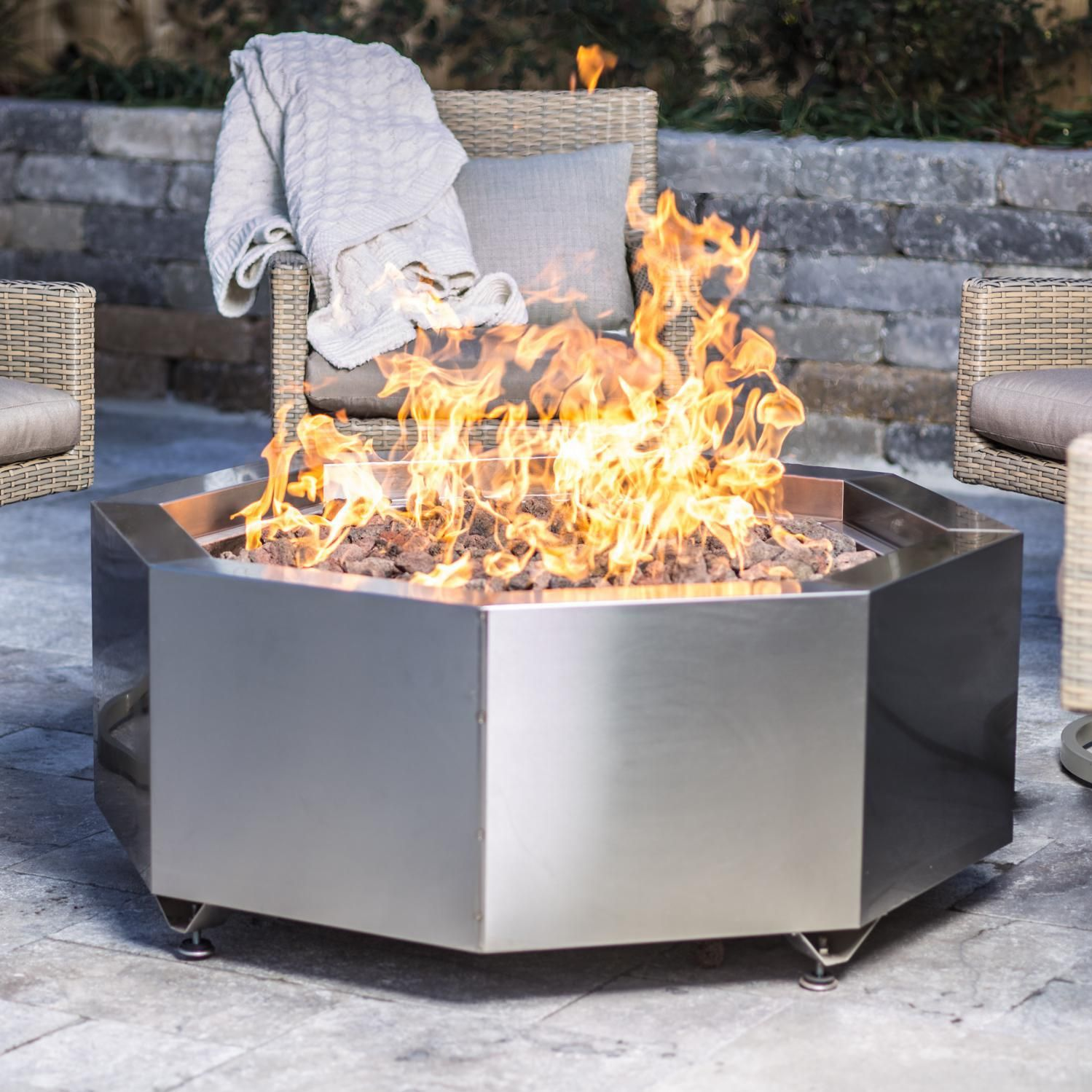 This Lakeview Outdoor Designs 42 Inch Stainless Steel Octagon Fire Pit Comes Complete With 24 Double Ring And Lava Rocks