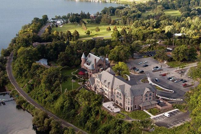 Roome In The Belhurst Castle Seneca Lake Hard To Believe Repurposed Hotels