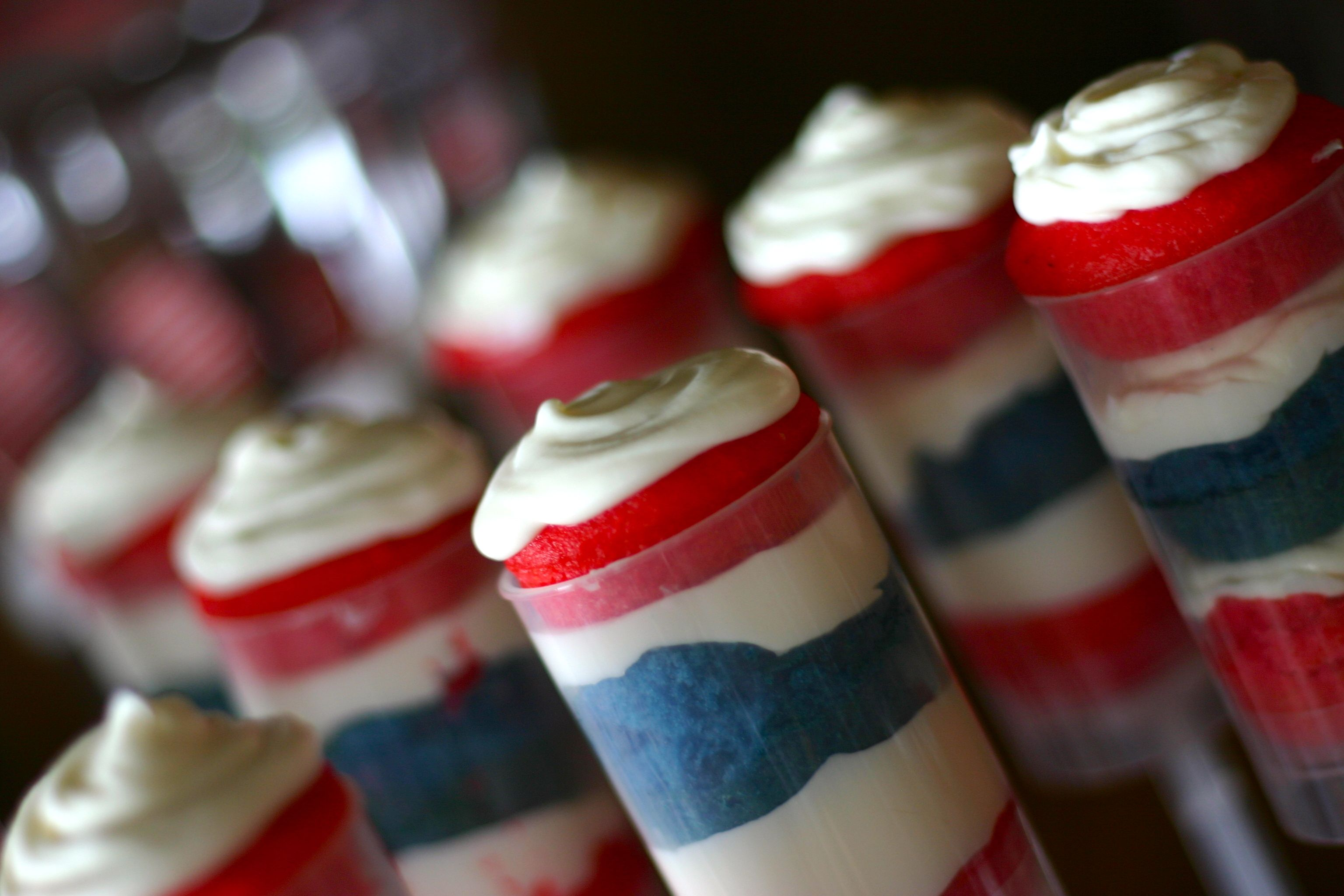 4th of July Candy Buffet Sweethearts  Co. Lapeer Michigan cake push pops