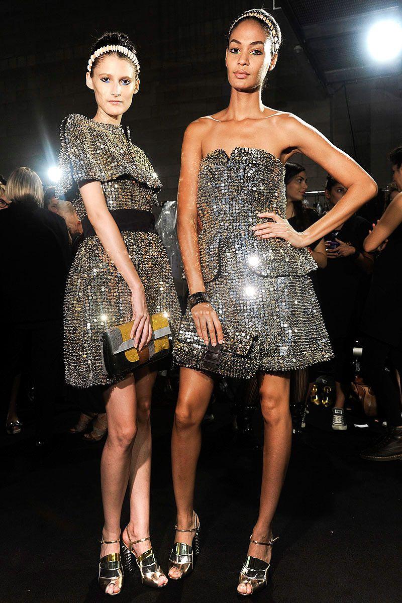 tendencias primavera 2013 tonos metalicos brillos plata oro cobre - Fendi