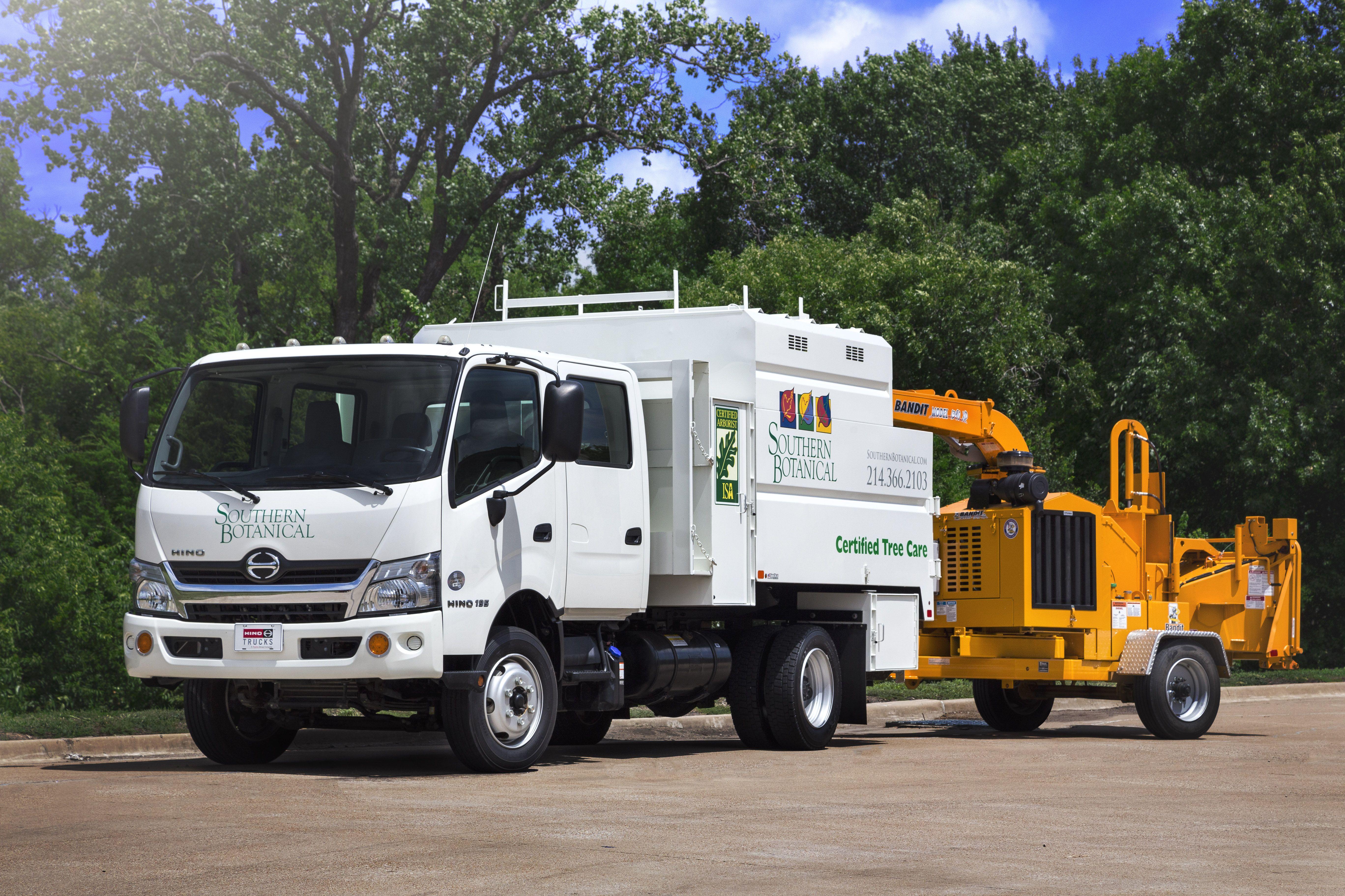 hino 155dc landscape truck