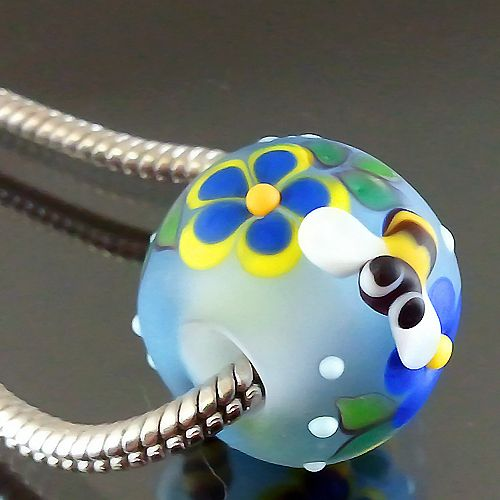 PIKALDA=handmade lampwork 1 charm glass bead big hole flower bee=BLUE DAY=SRA