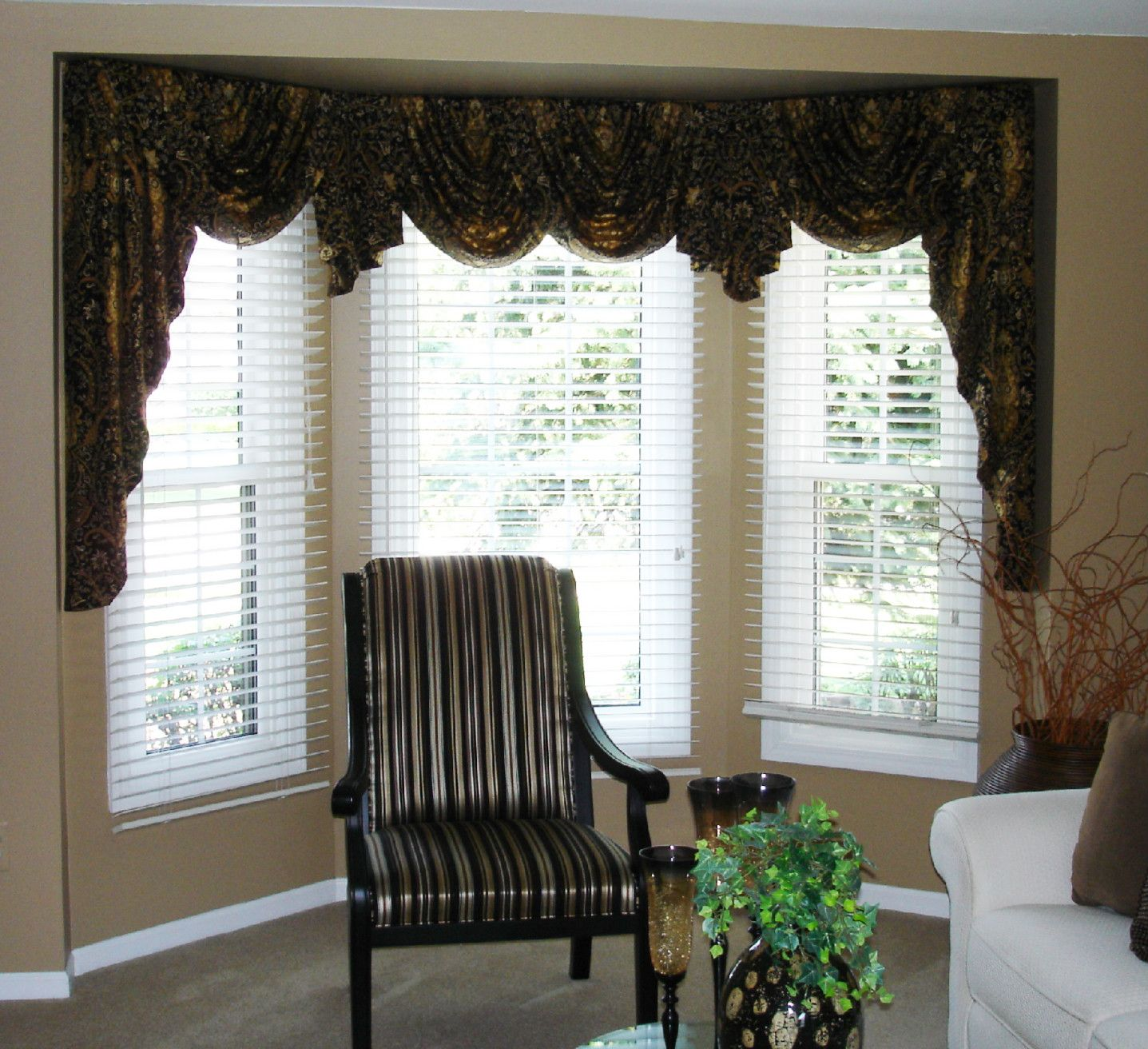 Window Dressing For Living Rooms Swag Valances For Bay Windows Swags And Jabots In A Bay Window