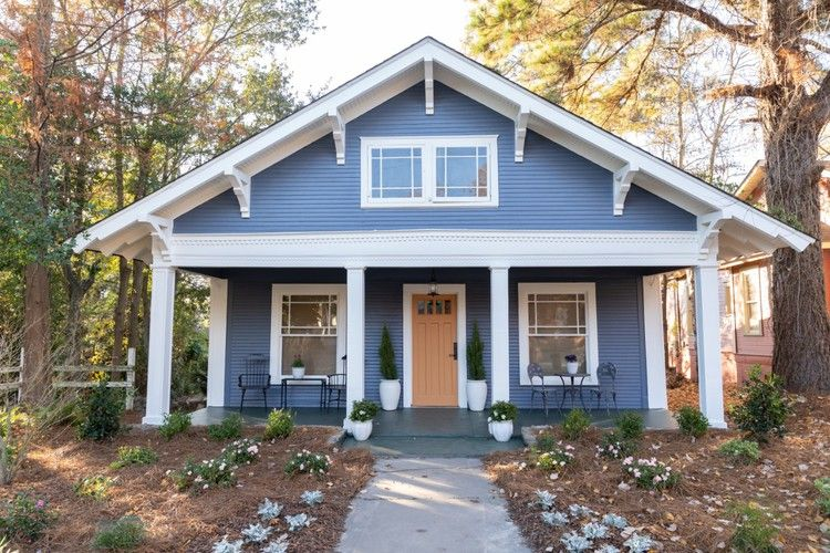 Home Town: A Bungalow in Blue — HGTV