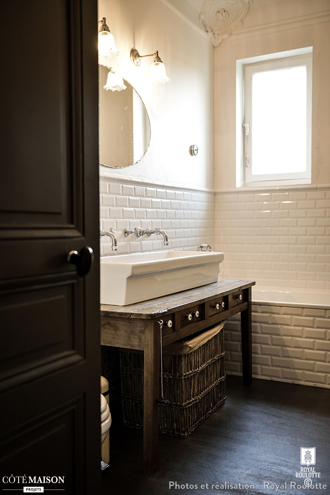 Une Maison De Style Mansart Revisitée Et Modernisée Royal - Cote maison salle de bain