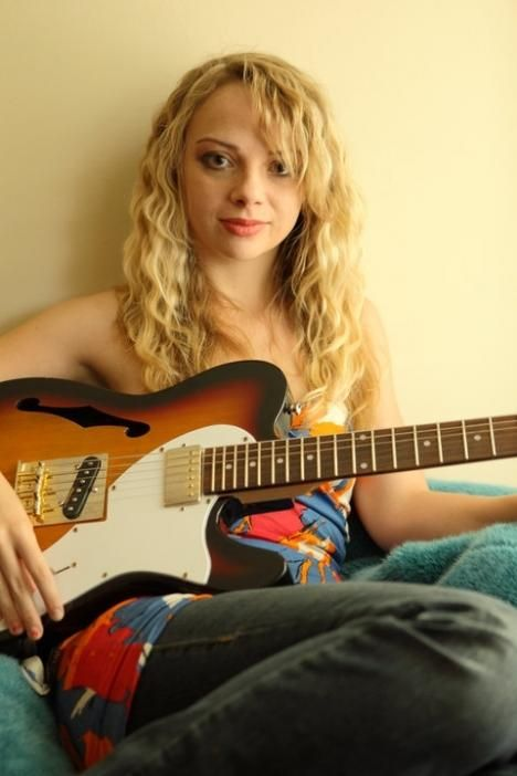 Samantha Fish Gets Down And Dirty Never Bothering To Sugarcoat The