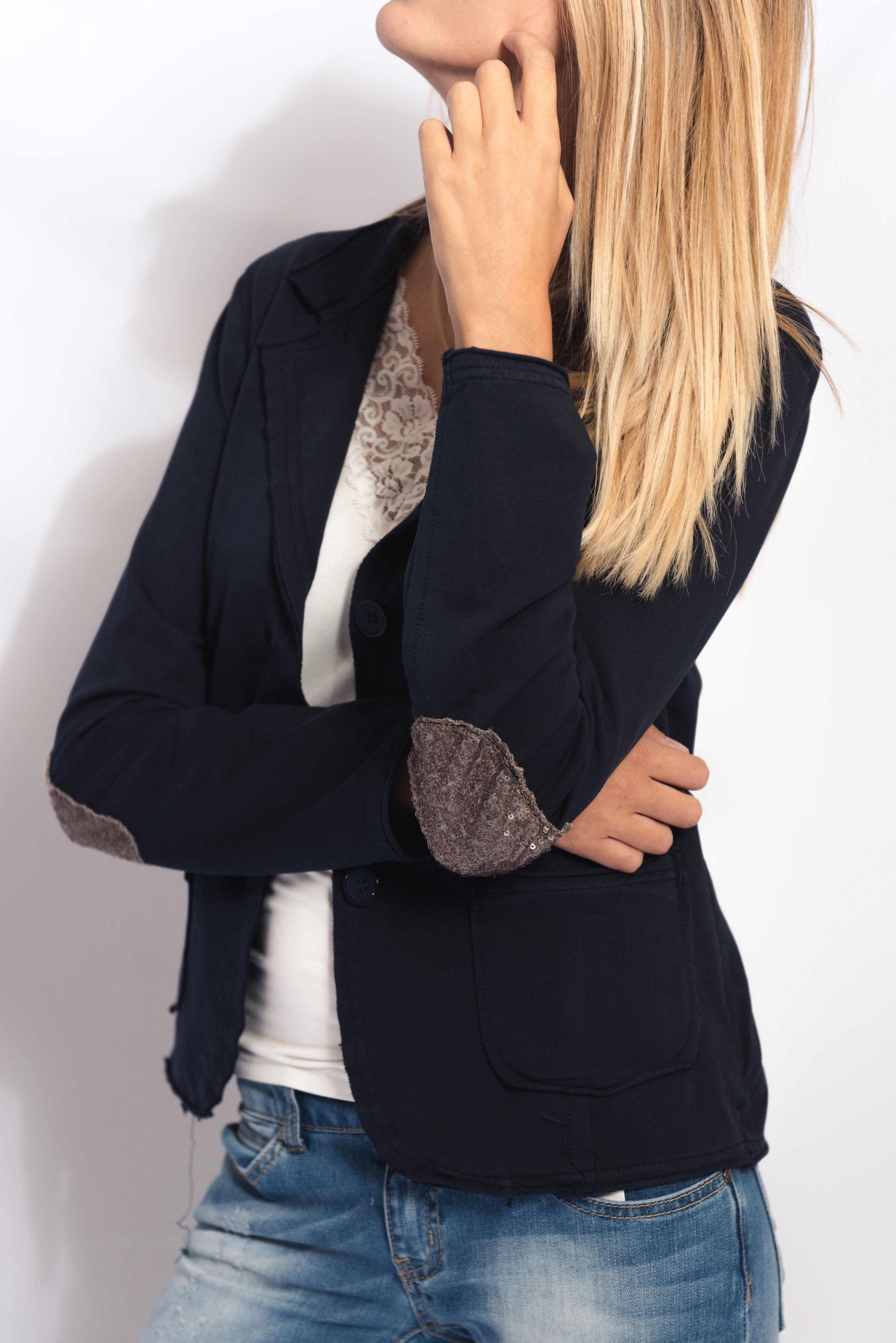 elle est de retour la veste de blazer bleu marine coton avec paillettes sur les coudes du. Black Bedroom Furniture Sets. Home Design Ideas