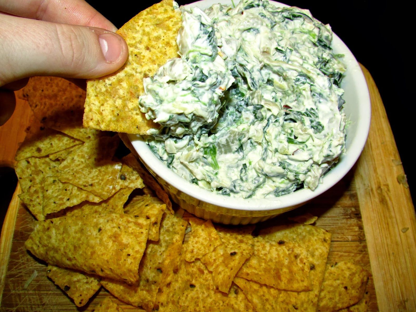 Spinach and Artichoke dip! Quick and Easy! Perfect for parties! Tastes better than restaurant appetizers!