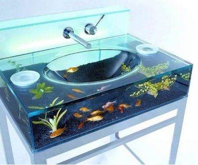 E pra quem curte aquários, que tal essa pia? Original e criativa!