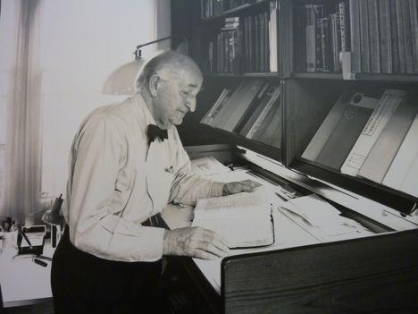 The Standing Desk: Herman miller
