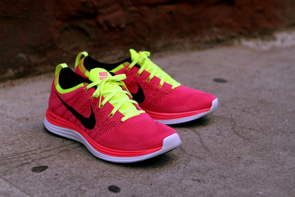 nike flyknit lunar 1 women red