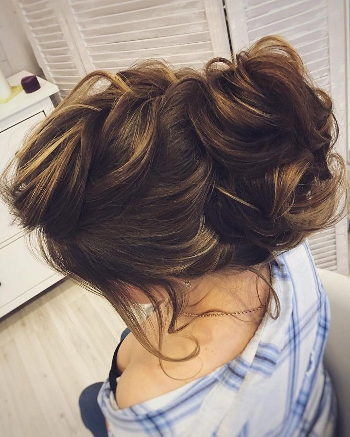Messy bridal updo | Updo Wedding Hairstyles Photos | fabmood.com #wedding #weddinghair #weddinghairstyles #messyupdo #messyupdos #bridalupdos