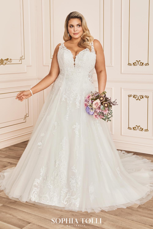 Sophia Tolli Chiara Style Y12035 Plus Size Wedding Gowns Sophia Tolli Wedding Dresses Wedding Dresses [ 1500 x 1000 Pixel ]