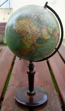 Globe sudois parcolumbus verlag jordglob world globe w stand globe sudois parcolumbus verlag jordglob world globe w stand c1920jordglob 1920 gumiabroncs Images