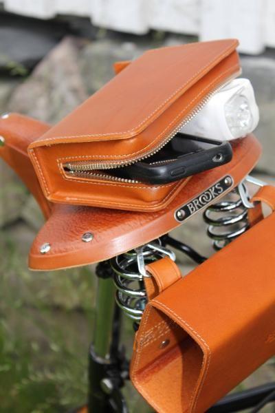 79aea92455 Brooks D-SHAPED TOOL BAG | saddle bags | Bags, Saddle bags, Leather ...