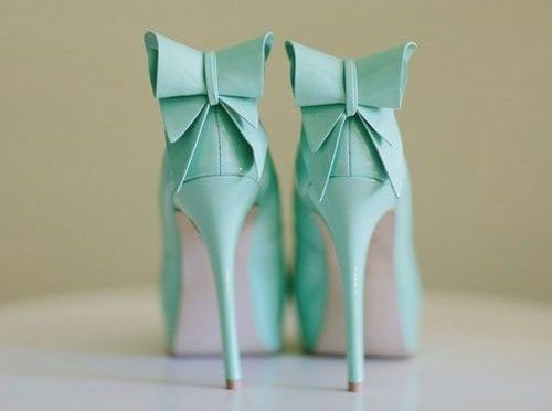 Scarpe Da Sposa Color Tiffany.Le Scarpe Da Sposa I Colori Di Tendenza Matrimonio It La