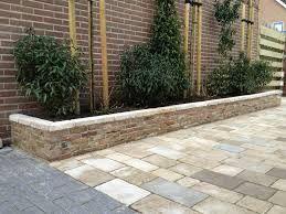 Afbeeldingsresultaat voor voorbeelden stenen plantenbakken for Tuin ontwerpen ipad