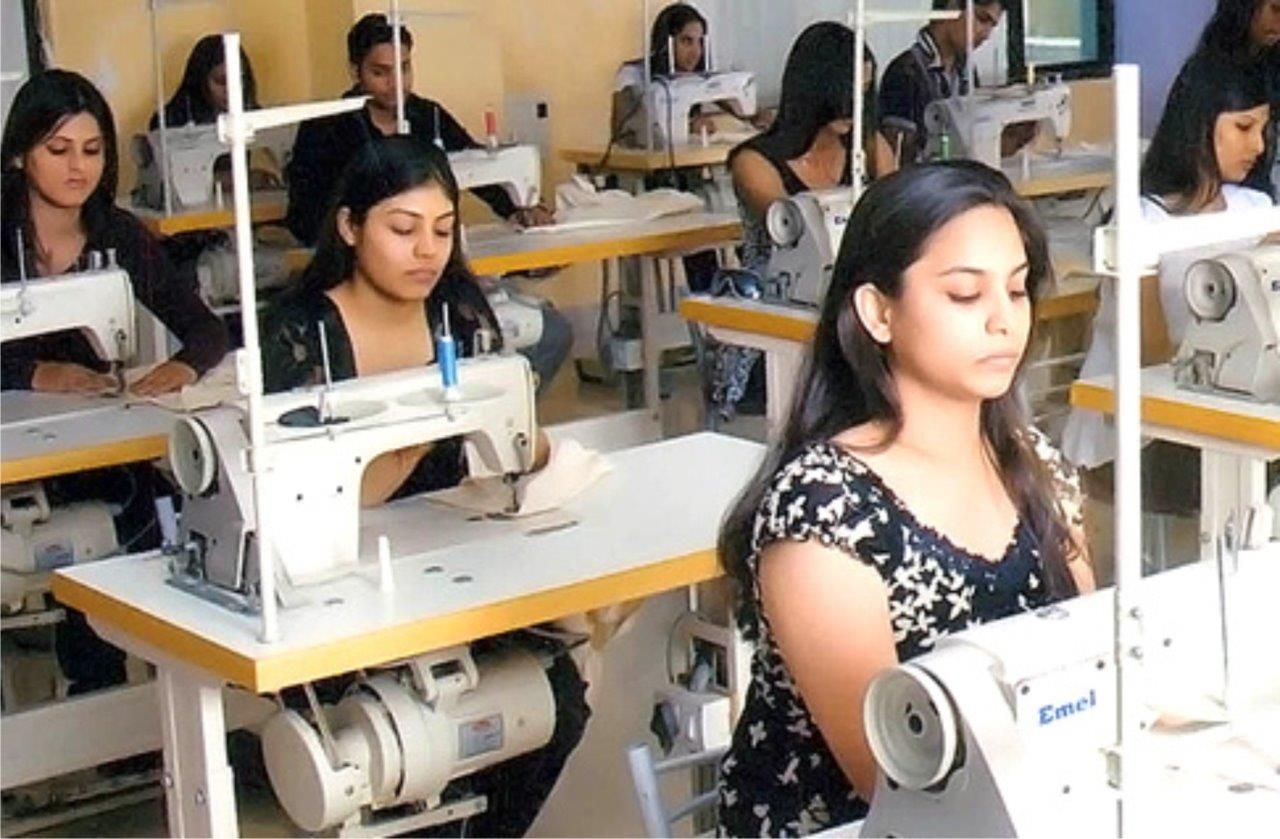 Hamstech Fashion And Interior Design Institute Classes At Panjagutta Center College Design Interior Design Institute Design
