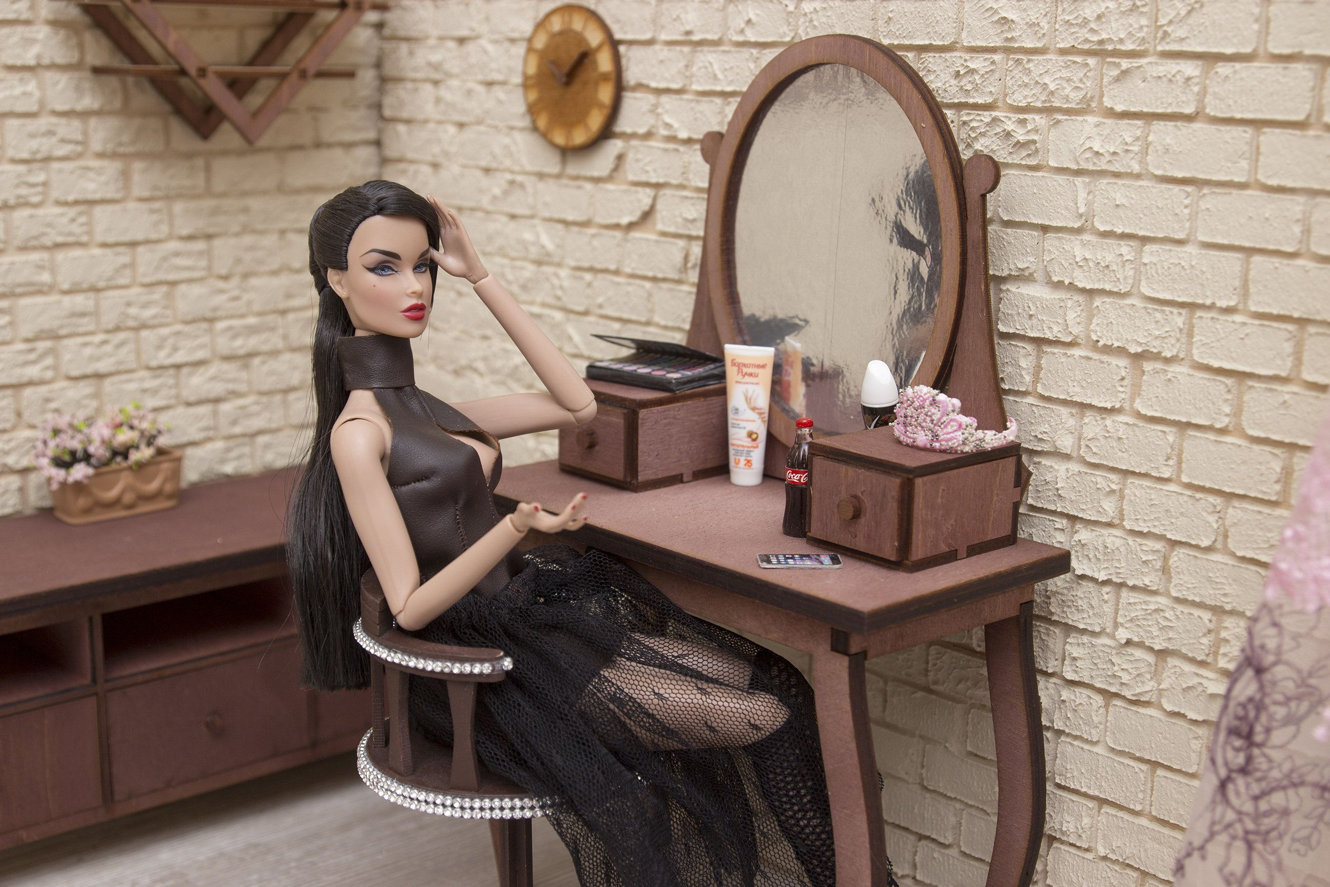 table and mirror for dolls 1//4 Furniture Integrity Toys exclusive !!!