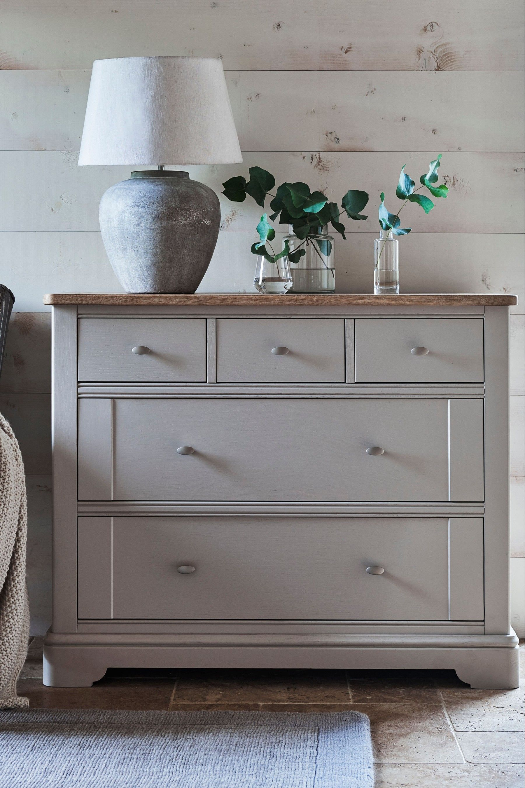 Mirror And Painted Bedside Table: Hampton 5 Drawer Wide Chest