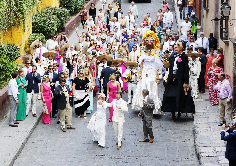 San Miguel De Allende Wedding Ben Christensen Photography Two Hearts For Love Pinterest And Weddings