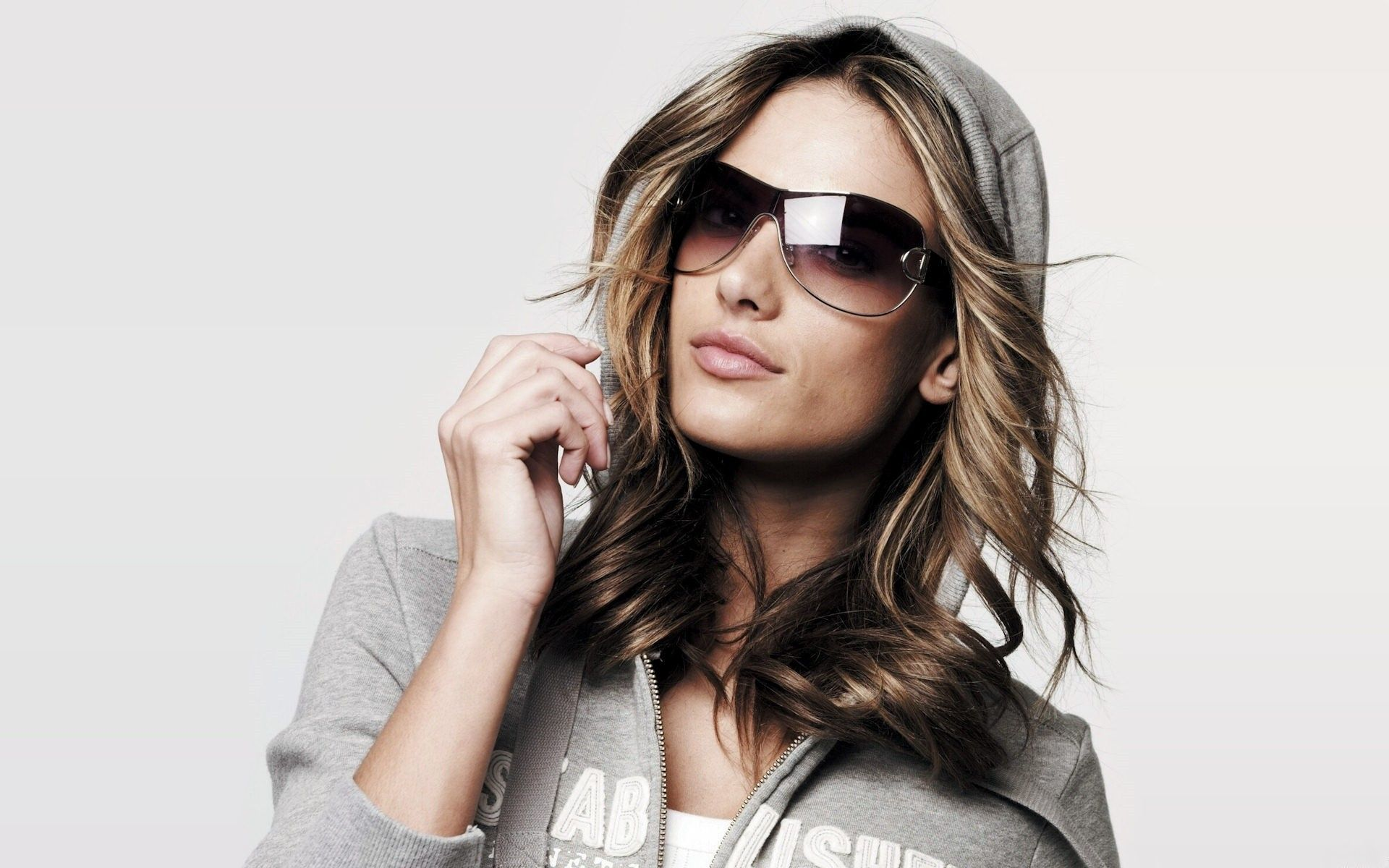 fashion sunglasses for women  Women Models Wallpaper 1920脳1200 Women, Models, Alessandra ...