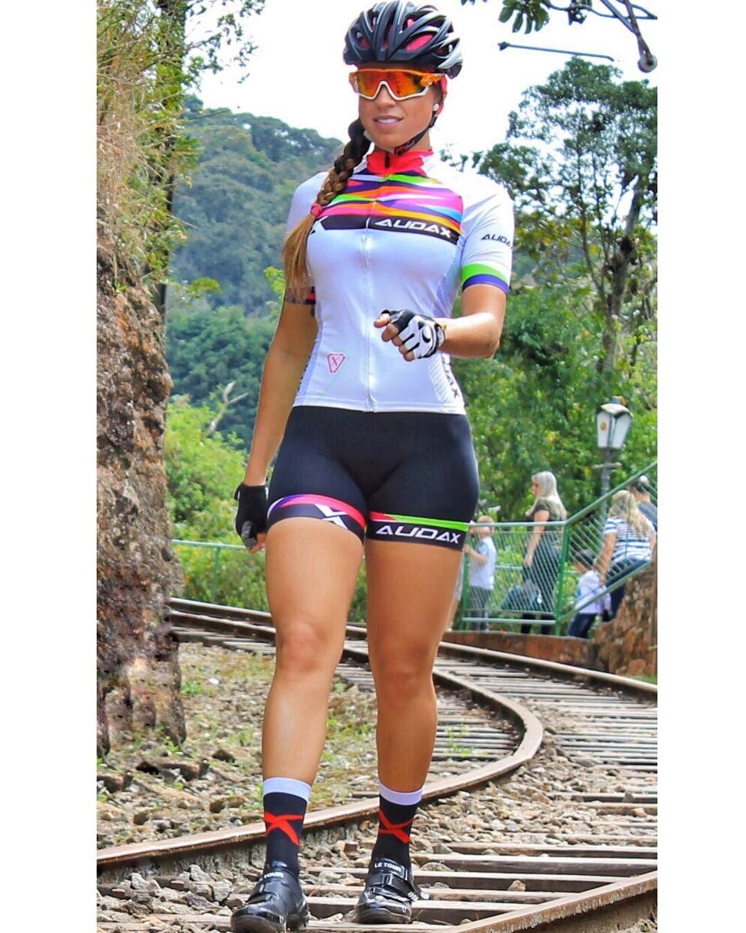 Resultado de imagem para Renata Espindola on bike