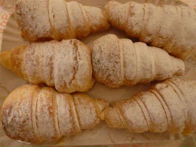 tipical sunday cake:  cannoli alla crema