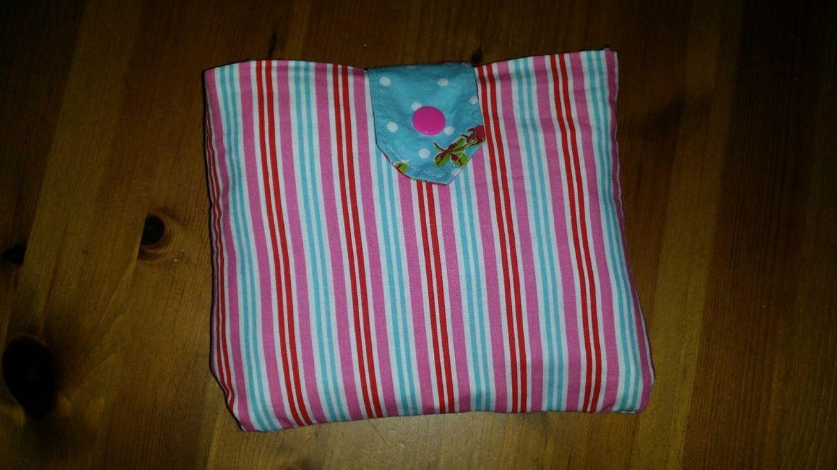 sac pliable avec tuto laine et chiffons id e cadeaux pinterest sac pliable la boite et. Black Bedroom Furniture Sets. Home Design Ideas