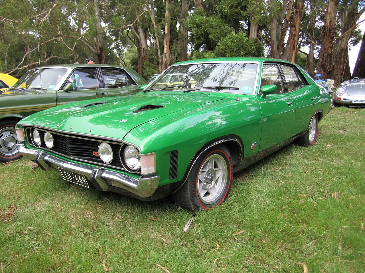 Ford falcon xa gt sedan calypso green