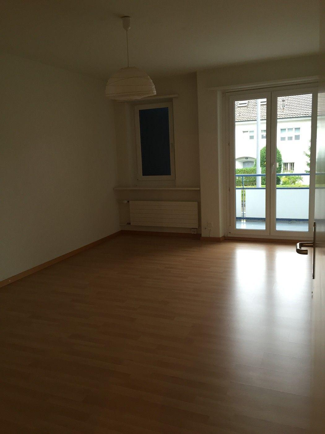 Preiswerte 3 5 Zimmer Wohnung In Zurich Https Flatfox Ch De 5491 Utm Source Pinterest Utm Medium Social Utm Content Mit Bildern 5 Zimmer Wohnung Wohnung Mieten Wohnung