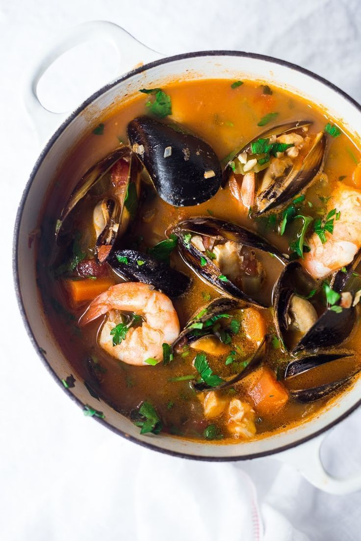 Simple Authentic Cioppino #seafoodstew