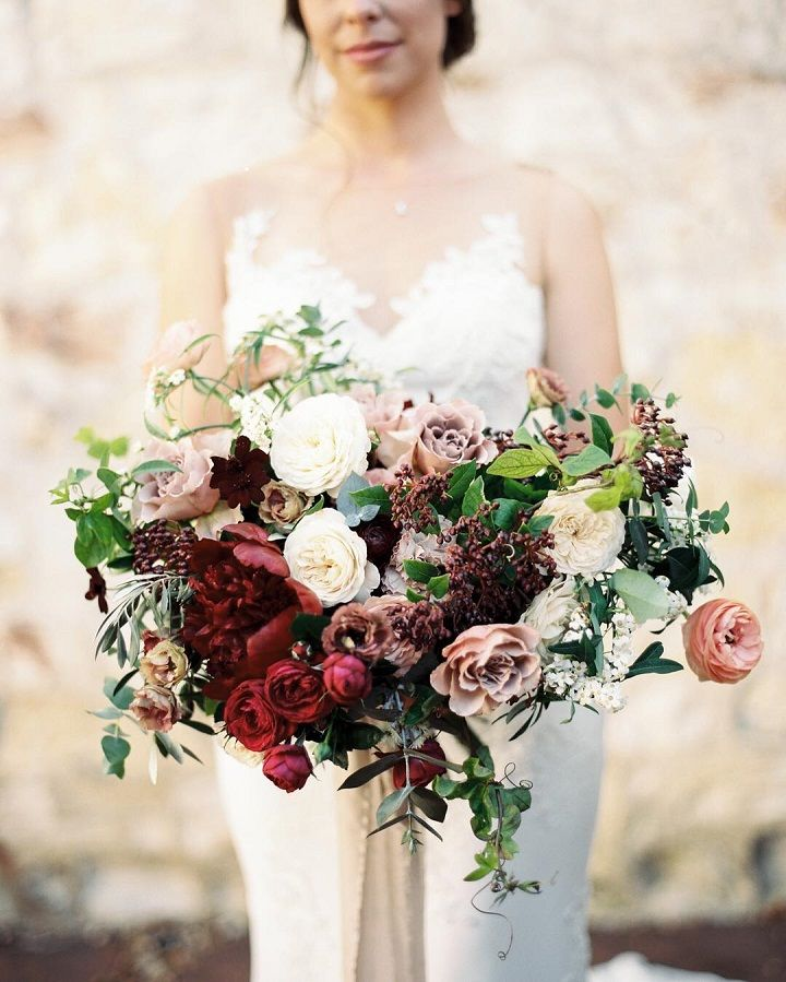 Beautiful mauve and red wedding bouquet inspiration #weddingbouquet #mauvebouquet