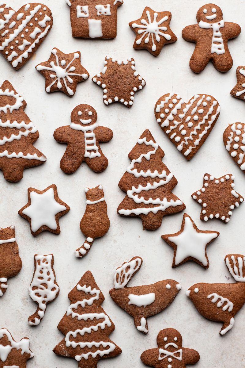 Soft vegan gingerbread cookies - Lazy Cat Kitchen