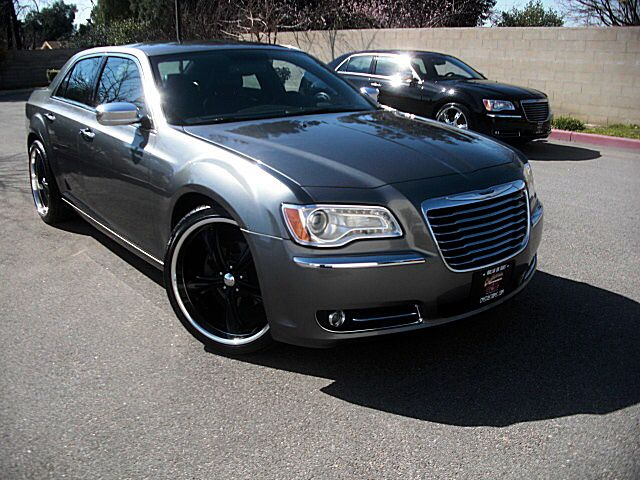 Charcoal Gray Chrysler 300 With Black Rims With Images